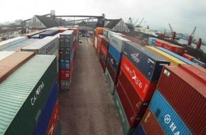 economia01-porto-de-santos-02-05-2014