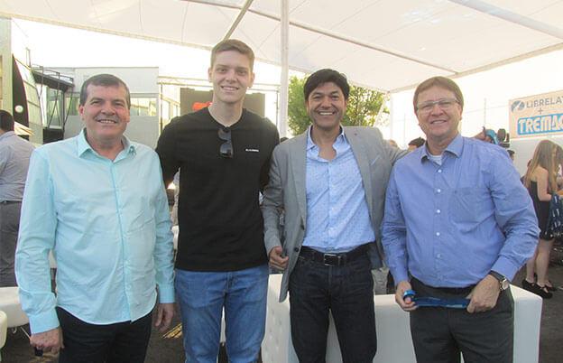 Aloir Librelato, João Librelato, Alex Gomez, gerente de vendas da Tremac e José Carlos Sprícigo.