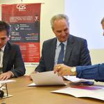Legenda da foto, a partir da esquerda:  O diretor-presidente do Detran.SP, Maxwell Vieira, o secretário de Planejamento e Gestão, Marcos Monteiro, e a diretora-superintendente do CPS, Laura Laganá.