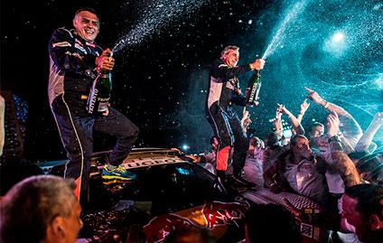 Peugeot vence o Rally Dakar
