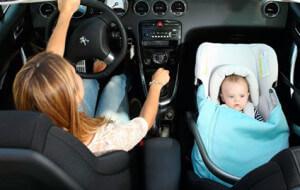 Como transportar crianças em veículos sem bancos traseiros