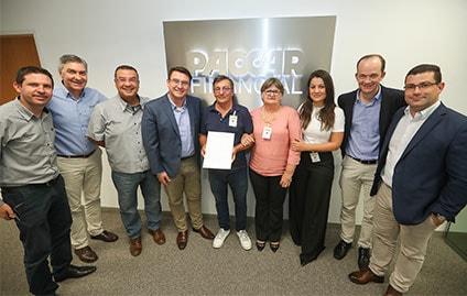 PACCAR Financial fecha seu primeiro contrato com a Transportes Begnini